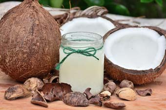 Tips to make cream from coconut oil and lemon